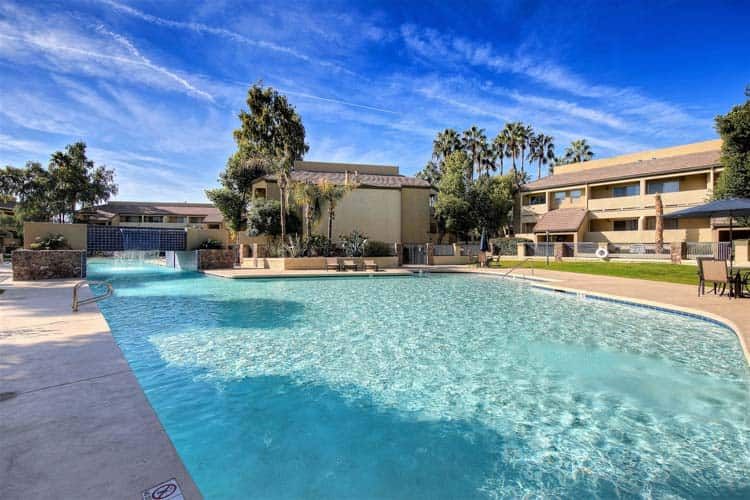 condo community pool picture used in Mesa Real Estate Agent Review